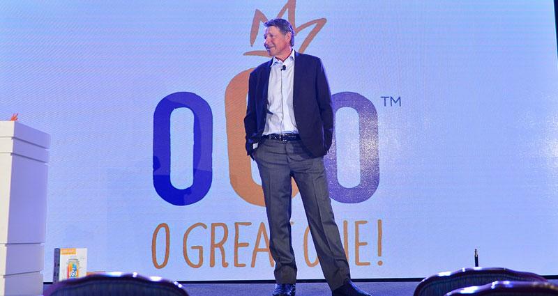 David-Novak-building-a-successful-restaurant-business-2.jpg